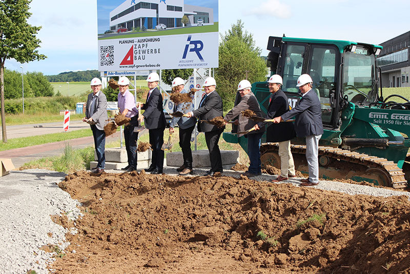 Erster Spatenstich für IPR-Neubau im Eppinger Tiefental